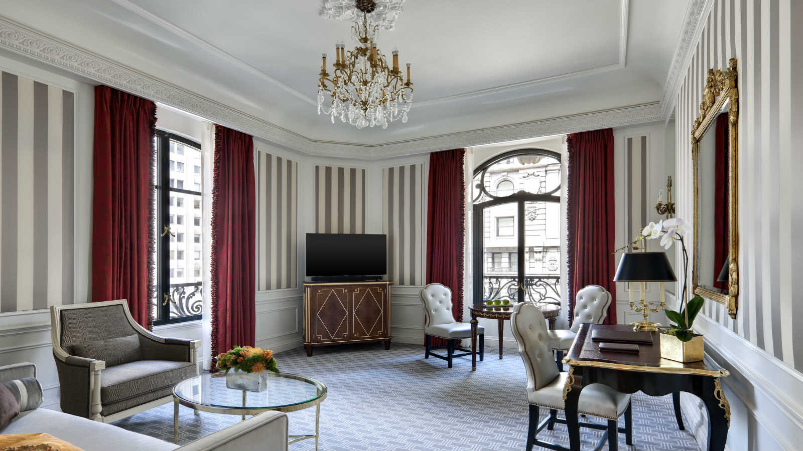 5th Avenue Suite
