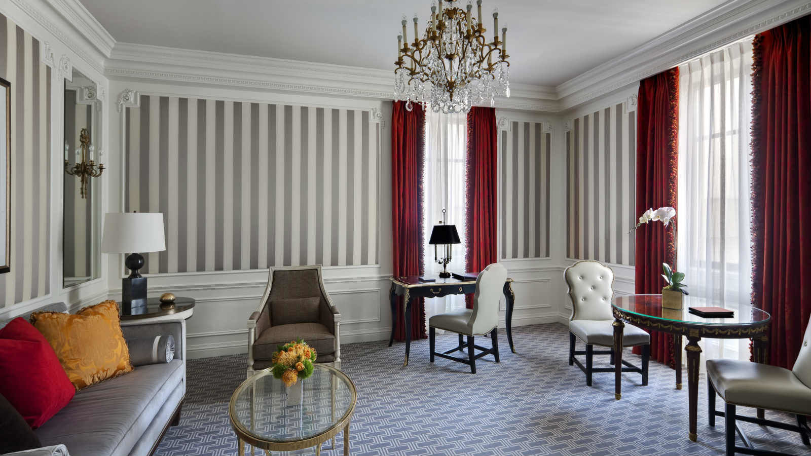 Manhattan Accommodations | The St. Regis Suite