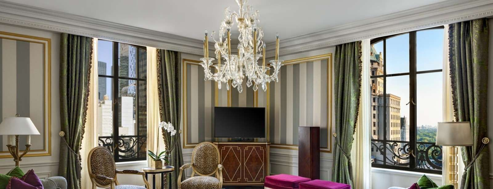 Manhattan Accommodations | Royal Suite